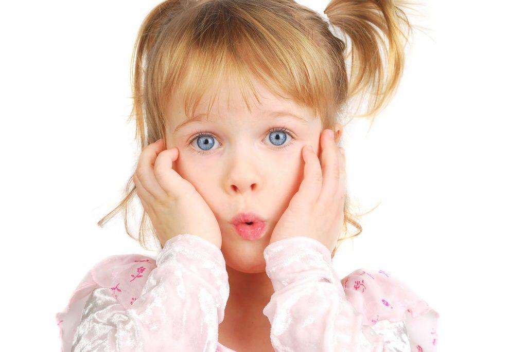 Как грамотно отвечать на «неудобные» вопросы детей?