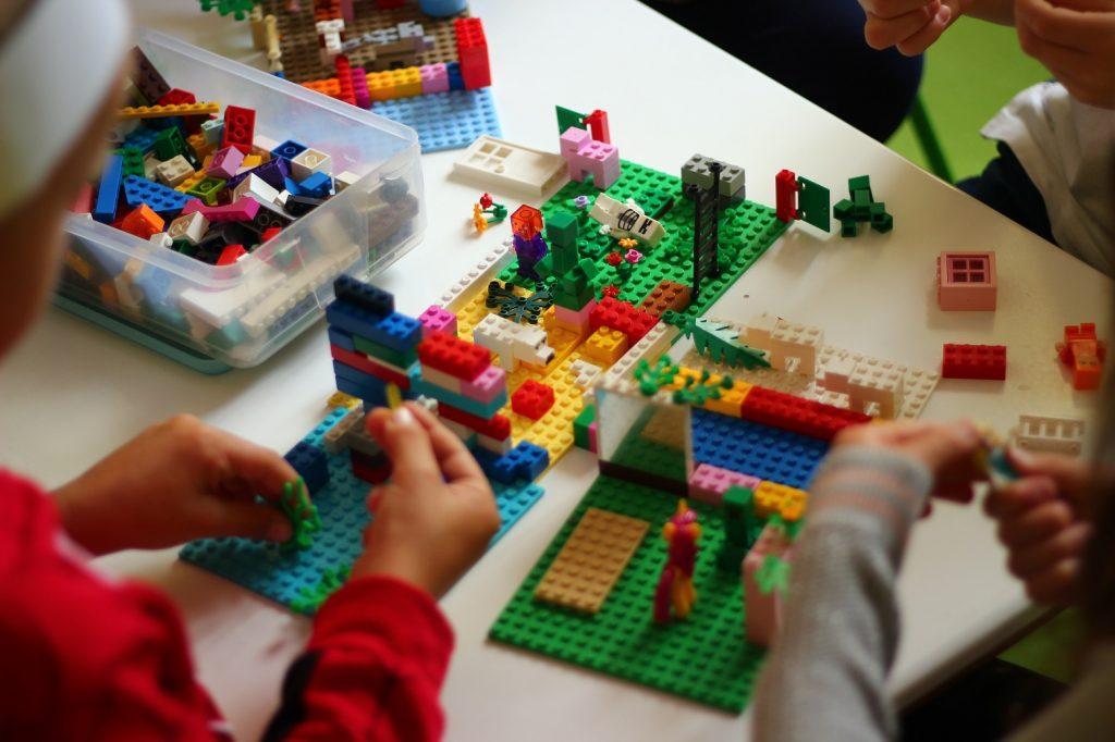 Що розвиває конструктор Лего